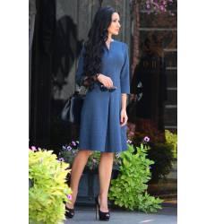 платье Laura Bettini Платья и сарафаны приталенные